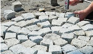 KROK X - Układanie kostki granitowej